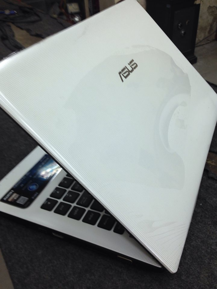 Laptop Asus X401A:Core I3-2328,Ram 2GB,HDD 500